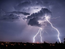 Thunderstorm Throws Normal Life Of Gear Several Northern States 9 Dead 34 Injured In Up