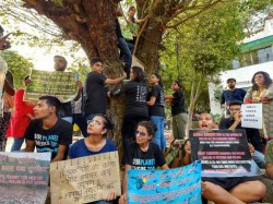 Delhis Own Chipko Movement Protest To Protect 14000 Trees
