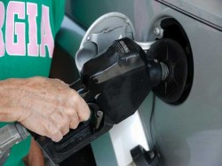 Petrol Price Cut By 6 Paise Diesel 5 Paise
