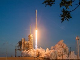 SpaceX launches recycled rocket
