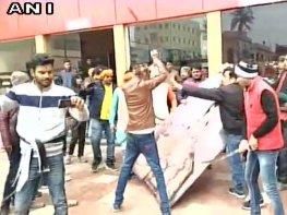 Karni Sena vandalises theatre in Bihar