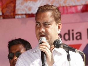Congress demands arrest of Assam BJP MP for comparing Nehru-Gandhi with 'garbage'