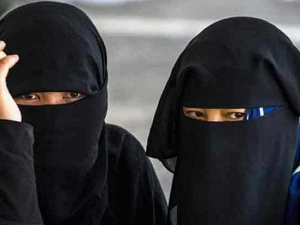Government fails to bring everyone on board on triple talaq