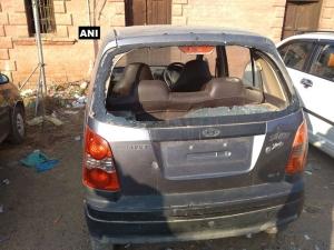 4 policemen injured in grenade attack in Pulwama