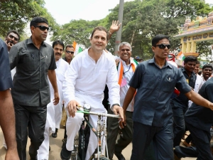 BJP leader calls Rahul Gandhi '<i>mand-buddhi</i> ', says Congress chief too old to learn in life