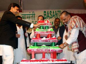 Mulayam's birthday celebrations 'marred' as stampede kills 1 woman in Badaun
