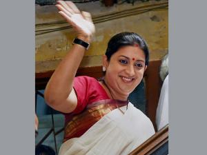 Smriti Irani grilled for her children's admission; Appreciates the admission process
