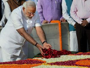 PM pays homage to victims of 26/11 Mumbai terror attacks
