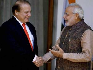 Narendra Modi, Nawaz Sharif shake hand, meet briefly at SAARC retreat