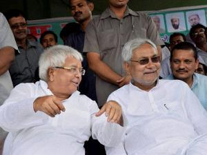 Nitish, Mulayam, Lalu share dais, slam PM Modi