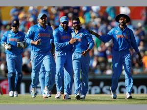 LIVE: World Cup Match 28: India lose Shikhar Dhawan for 9