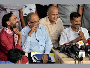 Crucial AAP meet today: Party set for a split?