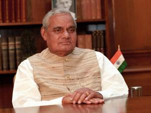 President confers Bharat Ratna to ailing Atal Bihari Vajpayee; PM terms day 'historic'