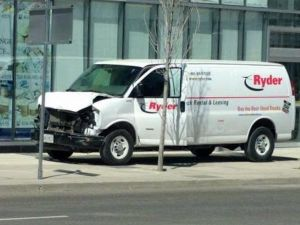 Canada: 9 dead by Van plowing at Toronto