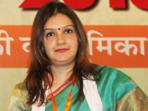 Priyanka Chaturvedi to join Shiv Sena