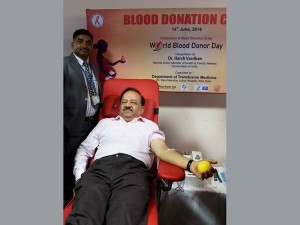 Donate Blood Regularly To Stay Healthy Harsh Vardhan