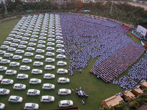 Surat Merchant Gifts Over 1000 Employees Cars Flats Jewellery