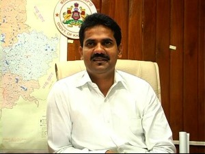 Ias Officers Death Shutdown In Kolar National Highway Blocked