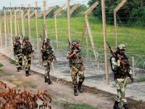 Pakistan Army Starts Shelling On Loc In Jammu