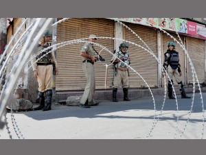Kashmir Remains Shut Security Beefed Up