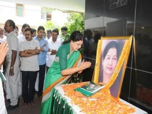 Sasikala Natarajan Take Charge Aiadmk On Saturday