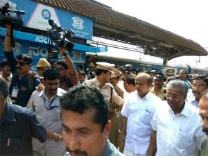 Amid Protests Pinarayi Vijayan Visits Mangaluru