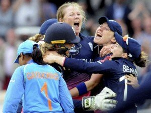 Anya Shrubsole Realises Lords Dream Bowls England World Cup Win