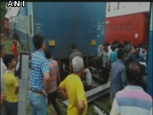 2 Coaches Of Agra Gwalior Passenger Train Derail In Agra No Casualties