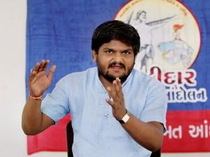 Pravin Togadia Feels Unsafe Under Bjp Hardik Patel