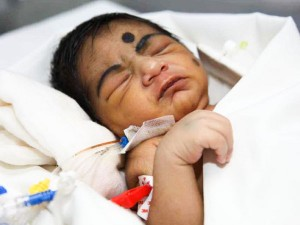 A Mothers Struggle To Keep Her Newborn Sons Heart Beating