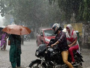 Weather Forecast For Sep 27 Good Rains Likely In Bengaluru Chennai