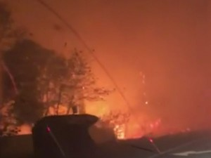 California Wildfires Man Sings To Assure 3 Year Old Daughter