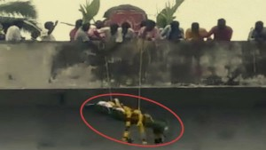 Denied Access To Crematorium Dalits Airdrop Dead Body From 20 Foot High Bridge