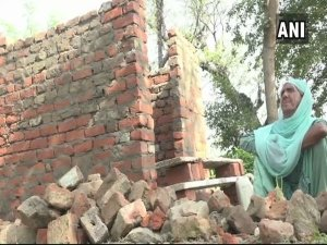 At 87, this poor J&K woman, who built a toilet, is a true mascot of <i>Swachh Bharat Abhiyan</i>