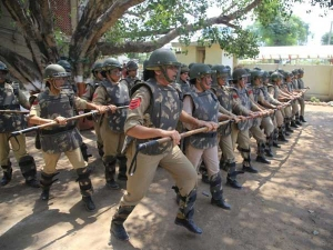 Quit or face a headshot: Hizbul stoops to new low as it threatens women cops