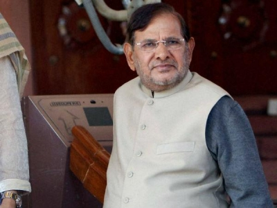 No need for review of reservation policy: Sharad Yadav - Oneindia News