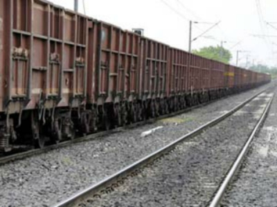 Odisha: Six wagons of goods train travel without engine for 2 kms