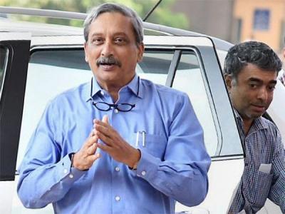 Manohar Parrikar returns to India
