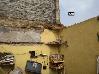 Couple dies after roof of Dwarka house
