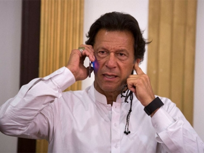 Pak poll body withholds Imran Khan's vic