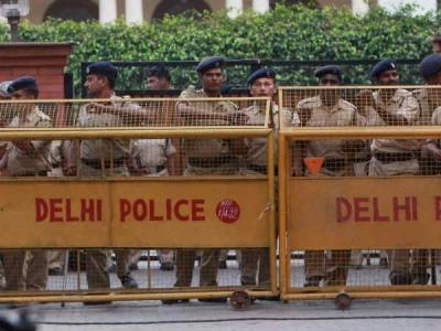 Delhi police donates Rs 1 crore