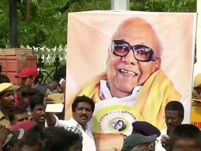 Gadkari, Muralidhar to attend memorial