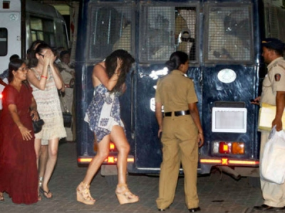 150 detained for rave party, released