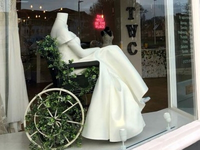 UK shops earns praise over 'bride on