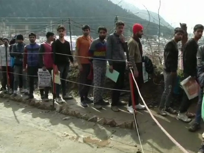 2,500 Kashmiris turn up for Army