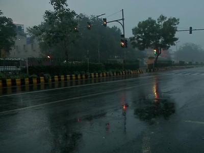 Weather forecast for February 15: Light rains in Delhi, snow in J&K