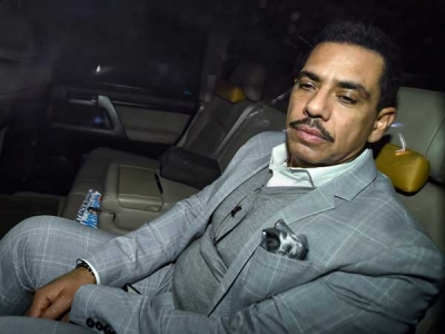 Vadra alleges 'witch-hunt' by govt
