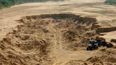 Illegal sand mining goes on brazenly