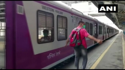 Railways to expand Mumbai local services