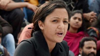 Shehla Rashid calls father a wife beater